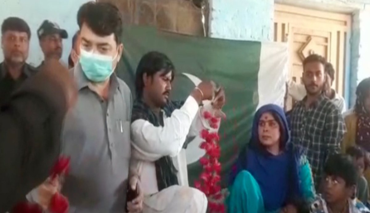 A Pakistani woman stranded in India for 2 years reached Hyderabad with her children