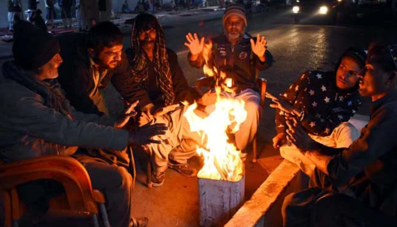 The severity of cold in Karachi has further reduced