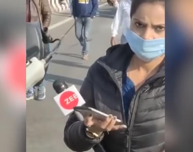 """Indian Farmers Grill Zee News Journalist & Chant """"Modi Media Murdabad"""""""