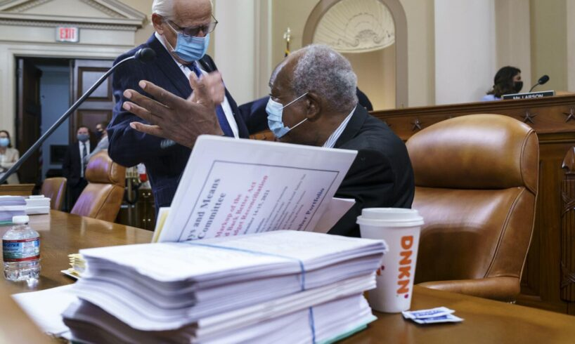 Democrats Try Delicate Tax Maneuvers for $3.5 Trillion Bill
