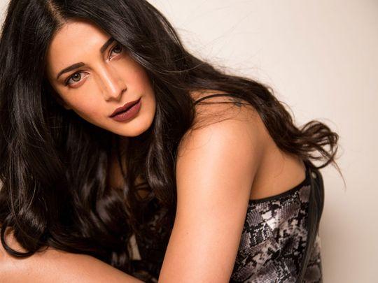 Shruti Haasan and Maya Ali are set to dazzle the red carpet at Filmfare Awards night.