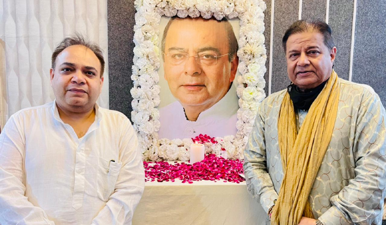 Politician Pawan Monga pays tribute to Arun Jaitley on his second death anniversary